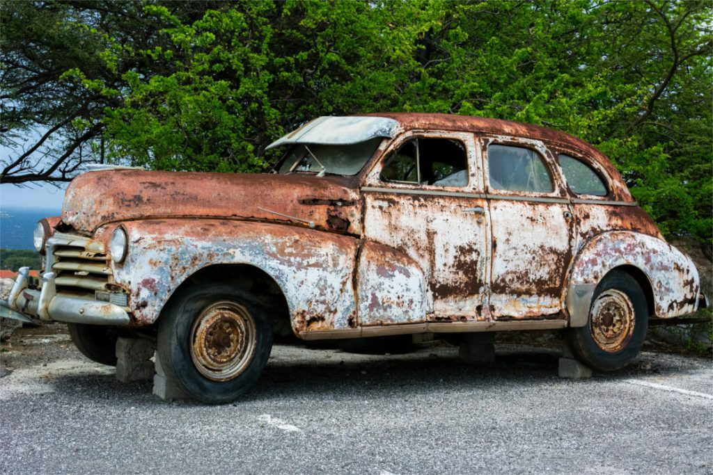 Schrott-Auto für den Export